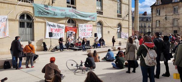 Ce 27 mars, le mouvement a organisé une scène ouverte entre 12h00 et 17h30.