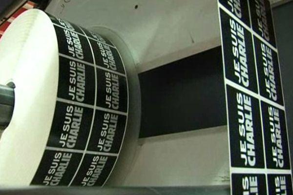 """25 000 stickers """"Je suis Charlie"""" imprimés chez APE"""