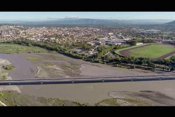 Le Pont de Cavaillon franchit la Durance