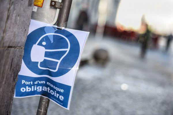 Dans la plupart des (petites) communes de Corse-du-Sud, cette affiche devrait disparaître samedi 28 novembre