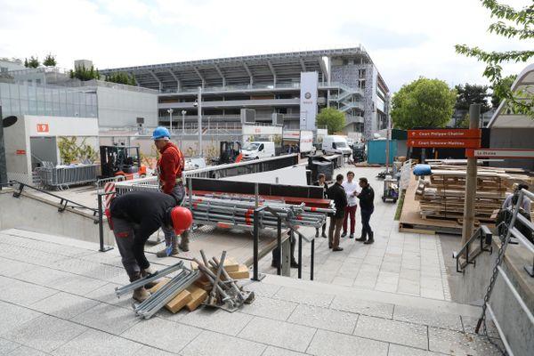 Le stade de Roland-Garros, situé porte d'Auteuil à Paris s'est doté d'un dallage tout neuf, conçu par une entreprise alsacienne: Heinrich & Bock.