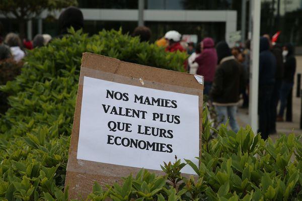 Manif devant l'hôpital de Saint-Nazaire, le 11 mai 2020
