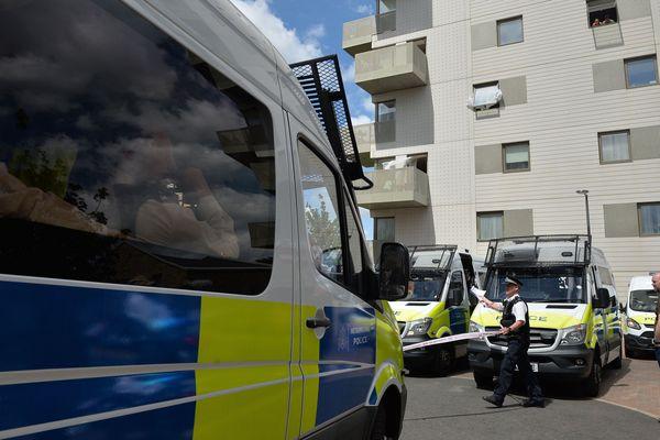 La police a effectué plusieurs arrestations à Barking, dans l'agglomération londonienne