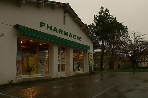 A Aubeterre-sur-Dronne en Charente, la pharmacie ne trouve pas de repreneur.