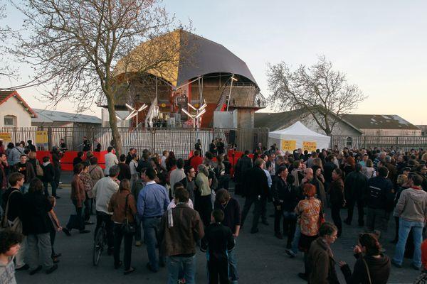 1500 personnes étaient venus fêter l'inauguration de La Sirène en avril 2011.