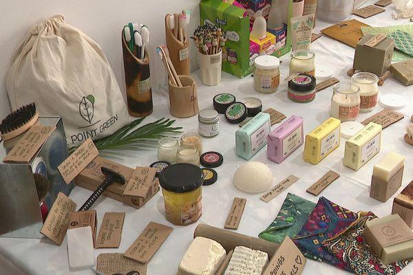 La boutique éphémère et itinérante du Point Green propose une centaine de référence pour  mieux lutter contre les déchets de la vie quotidienne.
