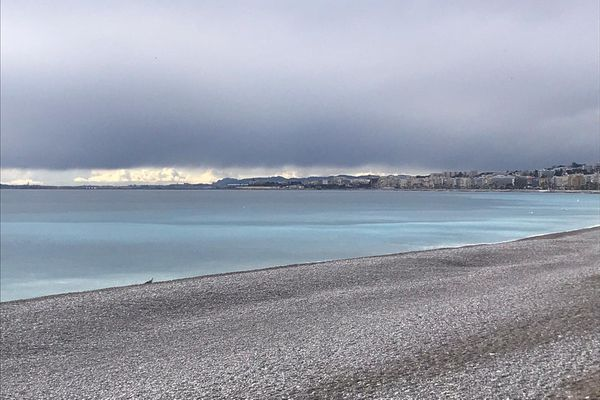 La plage ce mardi au niveau de l'embouchure.