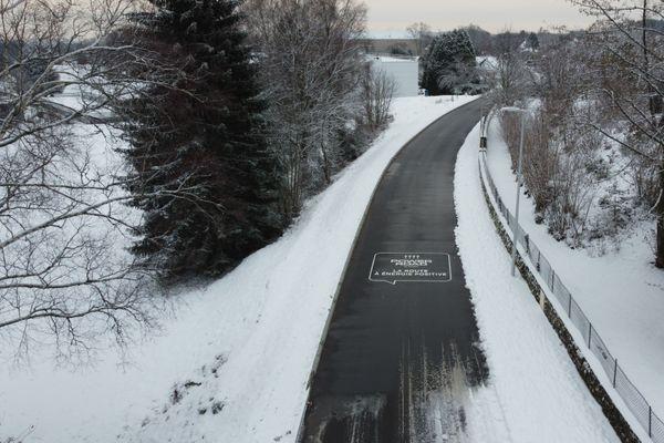Mise en place le 23 décembre 2020, la route chauffante d'Égletons a dégagé les premiers flocons cet hiver.