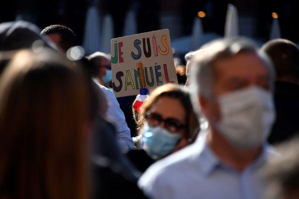 Des rassemblements en l'honneur du professeur Samuel Paty ont été organisés dans plusieurs grandes villes de France, ce dimanche 18 octobre.