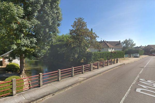 La rivière La Vanne sur Google Maps