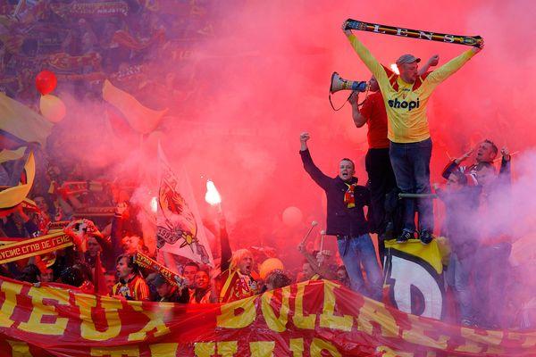 Les supporters lensois veulent célébrer le retour en Ligue 1 à Bollaert.