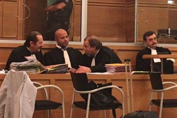 Les avocats de la défense au procès des frères Bengler devant les assises d'Aix-en-Provence ce jeudi matin.