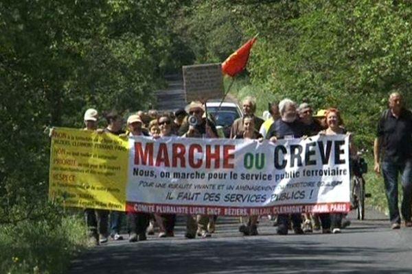 Une cinquantaine de marcheurs a pris le départ à Béziers