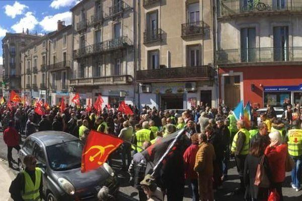 600 personnes ont manifesté ce matin à Béziers pour la défense du pouvoir d'achat et la défense des services publics