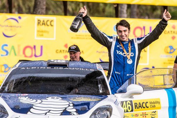 Sur Alpine, le pilote Caennais Pierre Ragues a été sacré champion du monde des rallyes R-GT au terme de l'ultime manche de la saison, en Catalogne.