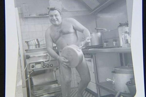 Photo extraite du calendrier des commerçants de Lignières-en-Touraine posant nus