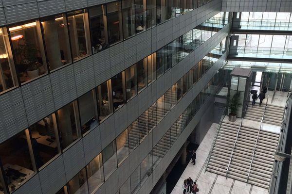 Le hall de la maison France Télévisions.
