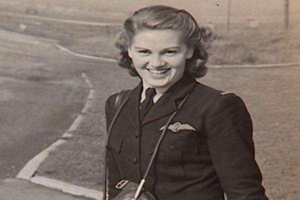 Joy Lofthouse, pilote de la Royal Air Force