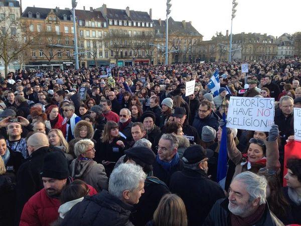 45.000 personnes rassemblées à Metz le dimanche 11 janvier 2015 : #JeSuisCharlie