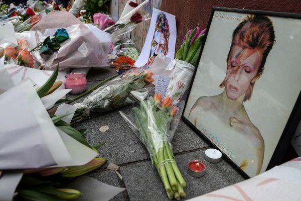 Hommage à David Bowie dans les rues de Londres