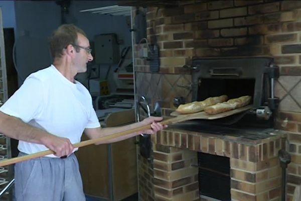 Un artisan boulanger à Guéret (23)