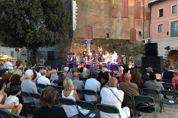 Deux concerts organisés par la ville de Cagnes-sur-Mer ce 21 juin au soir notamment sur la place du Général De Gaulle.
