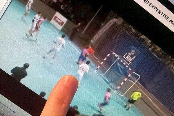 Visionnage du match de handball Cesson-Montpellier de 2012 - illustration