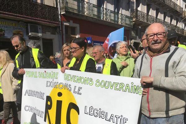 A Béziers, les manifestants ont été rejoints par les gilets jaunes