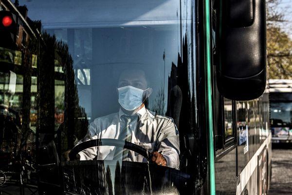Les conducteurs de bus craignent les risques de contamination .