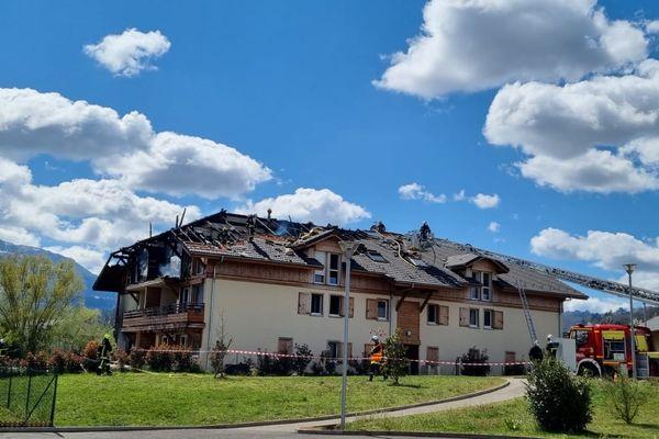 Le feu s'est déclaré dans ce bâtiment de deux étages