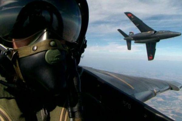 """""""Sous le casque d'un pilote de chasse"""", dans l'Enquête au Centre"""