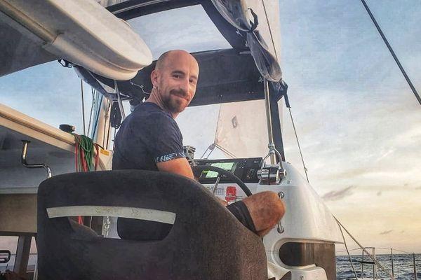 Ivan Pelletier, sur le bateau qui le mène en Amérique latine.