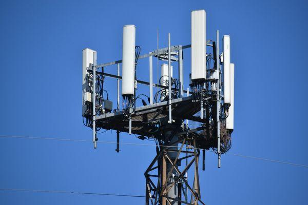 Une antenne-relais 5g.