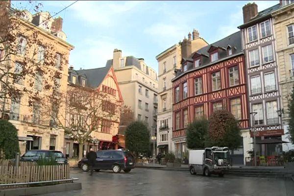 Le drame a eu lieu dans la nuit du 19 au 20 décembre 2015 dans un appartement du centre-ville de Rouen, place de la Pucelle.