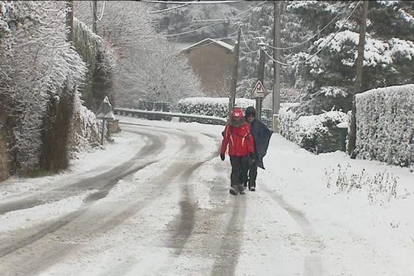 L'arrivée de la neige à Lyon le 23 janvier 2019  : il est tombé plus de neige que prévu dans l'ouest lyonnais...