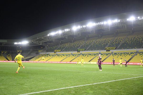 la rencontre Nantes PSG  s'est jouée à huis clos dans un stade de la Beaujoire vide de spectateurs