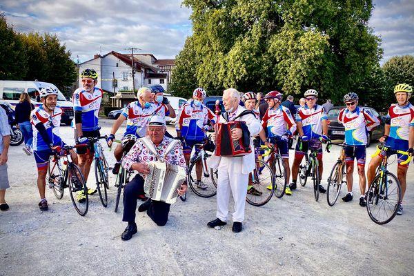 Une échappée belle pour un bel hommage : une cyclo sur les futures routes limousines du Tour de France, en souvenir de Raymond Poulidor, Jacques Chirac, Antoine Blondi et Jean Ségurel !
