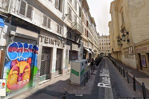 Rue Molière, près du Viex-Port à Marseille, il louait des appartements sur Airbnb dans un immeuble en péril.