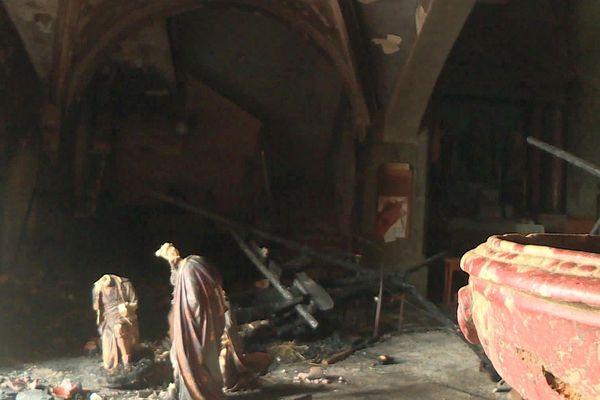 Saint-Laurent-de-la-Salanque (Pyrénées-Orientales) : l'église victime d'un incendie, la crèche est calcinée - 16 janvier 2020.