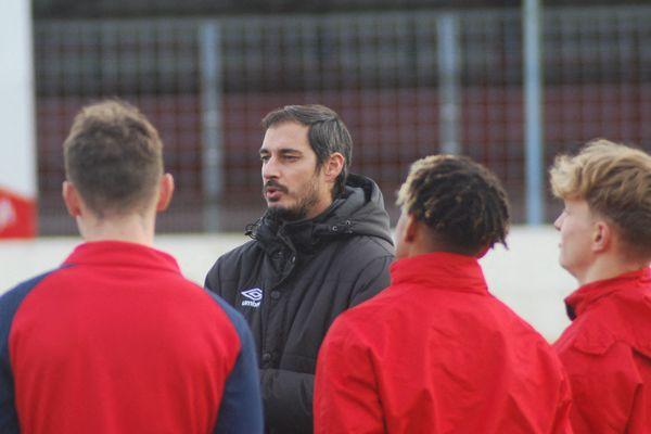 Après quatre années à entraîner successivement les U17, U19 puis la réserve, Nicolas Seube prend du galon en devenant le nouveau directeur du centre de formation du SM Caen.