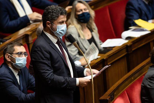 Le député de la 2nd circonscription de Haute-Corse, Jean-Félix Acquaviva, dans l'hémicycle de l'Assemblée nationale.