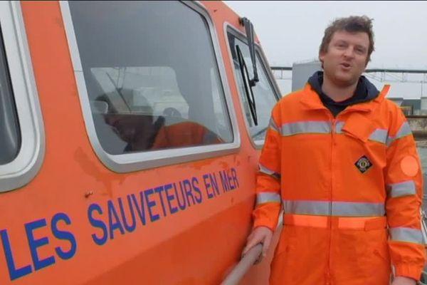 Les sauveteurs en mer de La Rochelle se mettent en scène dans une vidéo sur YouTube pour appeler aux dons et remplacer le moteur hors service de leur vedette de secours en mer.
