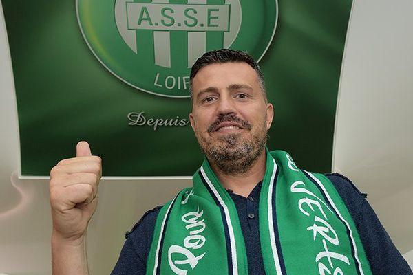 Oscar Gardia, le nouvel entraîneur de l'ASSE