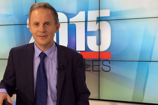 Le politologue Jean Garrigues est intervenu sur la plateau de France 3 Centre-Val de Loire lors des soirées électorales du 6 et 13 décembre.