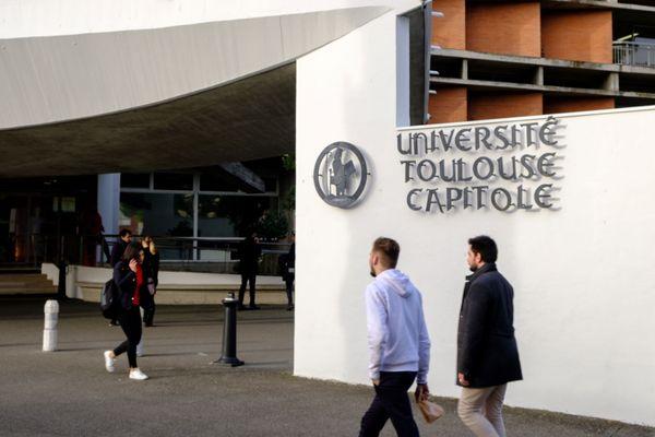 Le nouveau président de l'Université Toulouse Capitole se positionne en faveur du présentiel