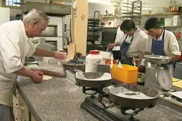Fabrication artisanale de la rousquille d'Arles-sur-Tech