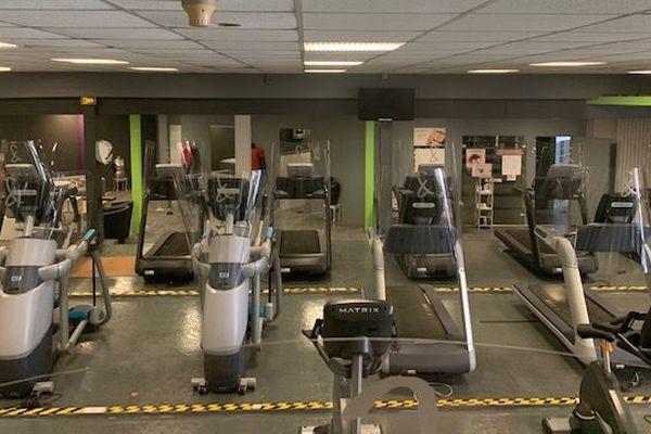 Cette salle de Laxou a décidé de caréner ses tapis de course et ses vélos avec du PVC.