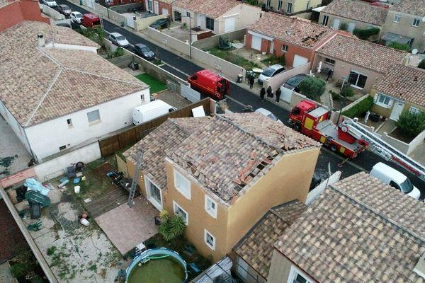 le coup de vent violent à Sauvian (34) a provoqué des dégâts notamment sur les toitures des maisons