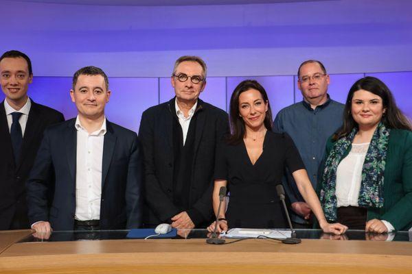 De gauche à droite, Rémi Meurin (RN), Gérald Darmanin (LREM), Franck Talpaert (DVG), Maurice Devloo (LFI), Katy Vuylsteker (EELV). Au centre, notre journaliste Virna Sacchi