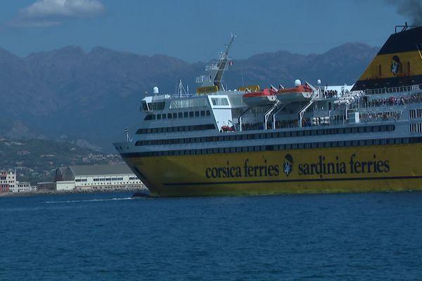 Les passagers du ferry ont été contrôlés par la compagnie lors de l'embarquement à Toulon.